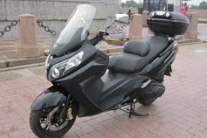 Черный Sym Maxsym 400 2013