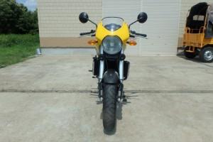 Желтый Ducati Monster 900 S4 2002