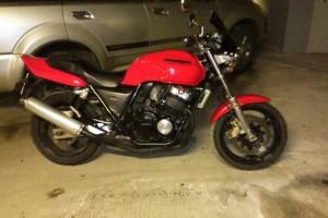 Красный Honda CB 400 SF 1996
