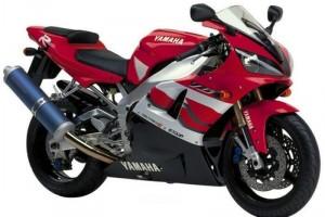 Красный Yamaha YZF-R1 2000