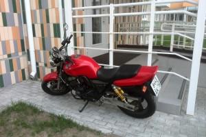 Красный Honda CB 400 SF 1997