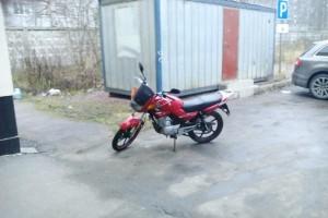 Красный Yamaha YBR 125 2013, угнан 26 апреля