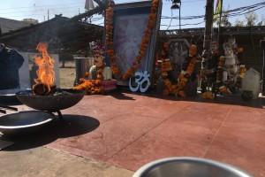Храм мотоцикла в Индии.
