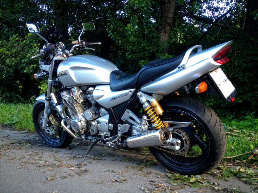 предназначено для продажа мотоцикл ямаха хжр 1200 1300 неправильно проведенной