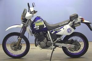 Синий Suzuki Djebel 250 XC 1996
