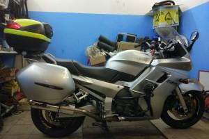 Серебряный металлик Yamaha FJR 1300 2001
