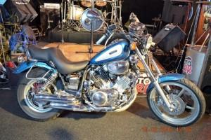 Голубой Yamaha XV 1100 Virago 1995