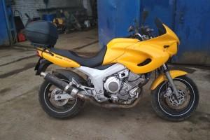 Желтый Yamaha TDM 850 1999