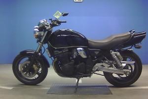 Черный Suzuki GSX 400 Inazuma 1997