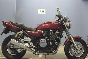 Красный Yamaha XJR 1200 1994