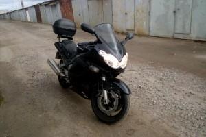 Черный Kawasaki ZZR 1200 2003