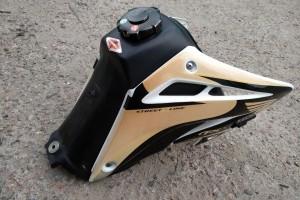 Бензобак от Honda xr400 sm