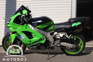 Зеленый Kawasaki ZX 9 R Ninja 2002