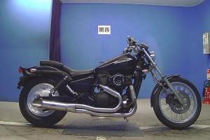 Черный Suzuki VZ 400 Desperado 1999