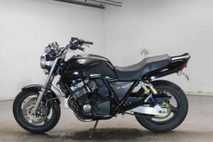 Черный Honda CB 400 SF 1994