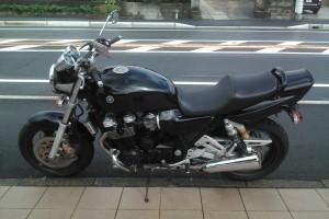 Черный Yamaha XJR 1200 1996