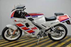 Yamaha FZR 250 RR 1989 за