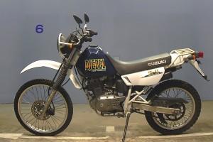 Белый Suzuki Djebel 200 1997