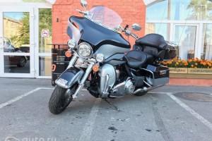 Серебряный металлик Harley-Davidson FLHTK Electra Glide Ultra Limited 2012