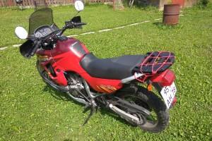 Красный Honda XL 600 V Transalp 1996