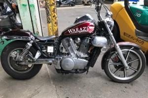 Красный Kawasaki VN 1500 Vulcan Classic 1990