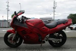 Красный Suzuki RF 400 RV 1994