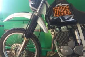 Черный Suzuki Djebel 250 XC 1997