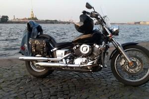 Черный Yamaha XVS 400 Drag Star Custom 2004