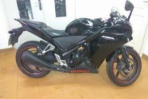 Черный Honda CBR 250 R 2013
