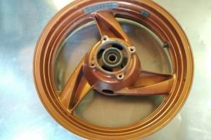 Kawasaki zzr400-2 задний колесный диск за 1 500 р.