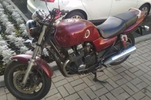 Красный Honda CB 750 1997