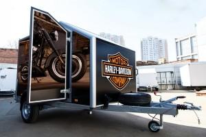 Прицеп-фургон для перевозки мототехники (автодом)