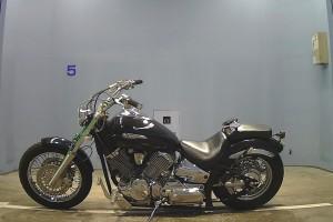 Черный Yamaha XVS 1100 Drag Star (V-Star) Custom 2000