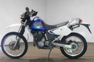 Белый Suzuki Djebel 250 XC 1998