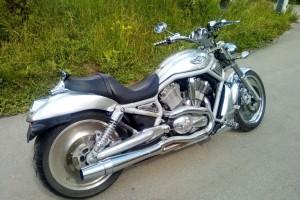 Серебряный Harley-Davidson VRSCAW V-Rod 2003