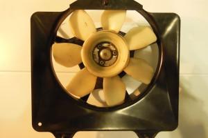 Вентилятор Yamaha FZR 750 Genesis за 2 500 р.