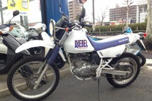 Белый Suzuki Djebel 200 1995