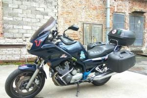 Синий Yamaha XJ 900 Diversion 1998
