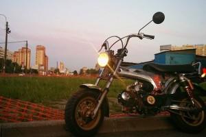 Серебряный Honda DAX 1980, угнан 1 июля 2016