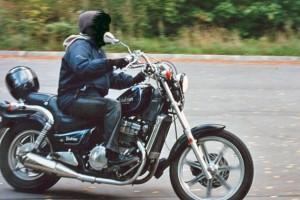 Черный Kawasaki EN 400 Vulcan Classic 1994, угнан 23 августа 2010 в Санкт-Петербург