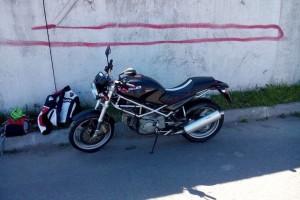 Черный Ducati Monster 400 2002, угнан 26 октября 2014 в Санкт-Петербург
