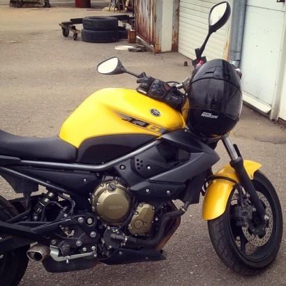 В угоне желтый металлик Yamaha XJ 6 N Diversion 2009