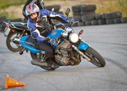 В угоне синий Honda CB 1 (CB 400) 1985