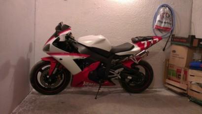 В угоне красный Yamaha YZF-R1 2003