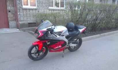 В угоне черный Aprilia RS 50 2001