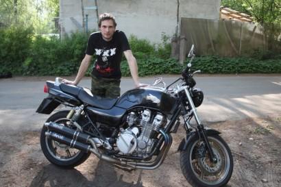 В угоне черный Honda CB 750 Seven Fifty 1992