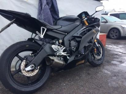 В угоне черный металлик Yamaha YZF-R6 2009
