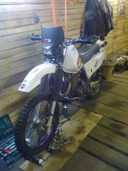 В угоне белый Yamaha TT 250 Raid 1996