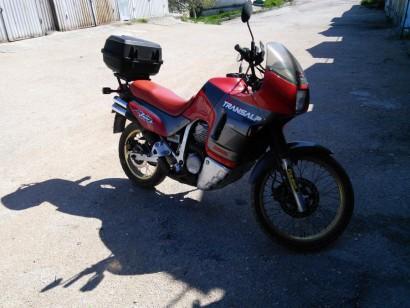В угоне красный Honda XL 600 Transalp 1992